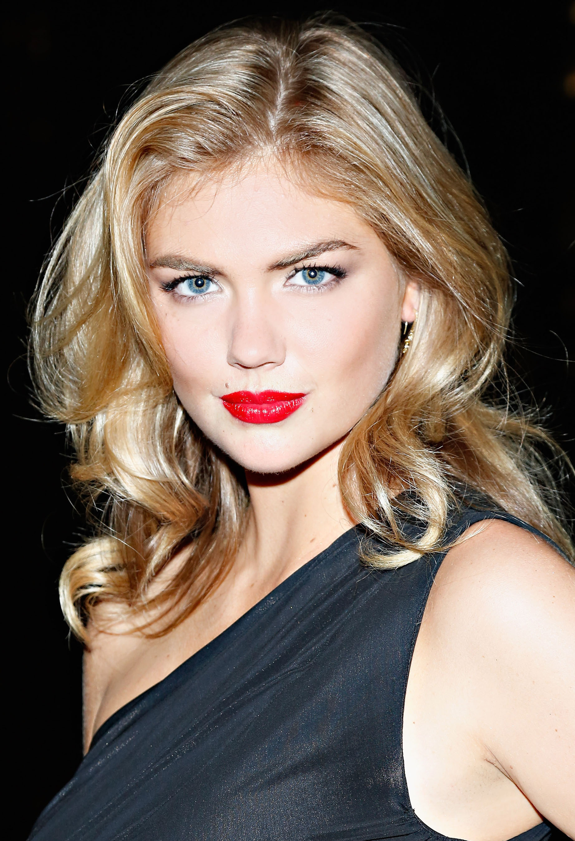 Kate Upton is the New Face of EXPRESS