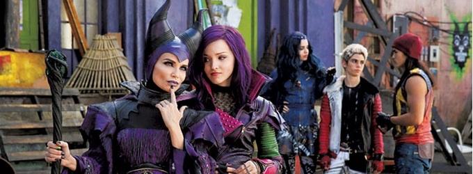 First Look - Kristin Chenoweth as 'Maleficent' in Disney Channel Original Movie DESCENDANTS