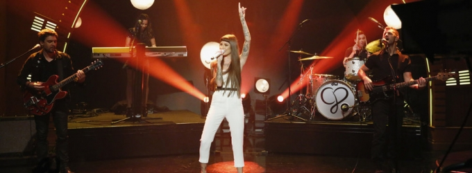 VIDEO: Christina Perri Performs New Single 'Burning Gold' on LATE NIGHT