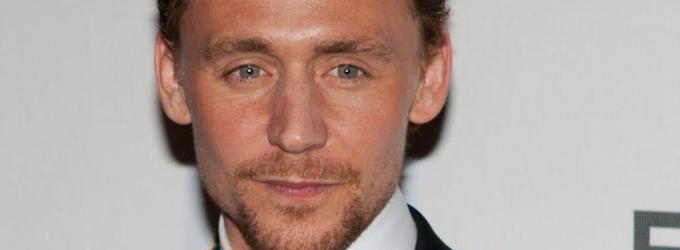 Tom Hiddleston Does ALS Ice Bucket Challenge