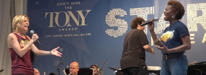 BWW TV: LaChanze & Jenn Colella Perform IF/THEN's 'Love While You Can' at STARS IN THE ALLEY