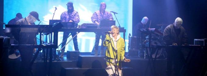 VIDEO: Royksopp & Robyn Perform 'Do It Again' on TONIGHT SHOW
