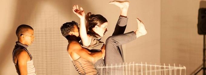 BWW Review: Darkroom Contemporary's BLUEPRINT Offers Alternative Dance for Alternative Audiences