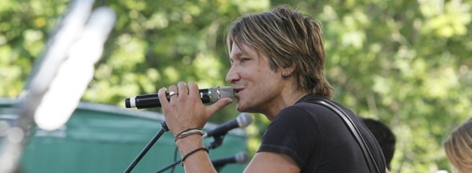 Photo & Video: Keith Urban Rocks the GMA Summer Concert Series!