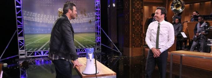 VIDEO: Blake Shelton Plays 'Random Object Football Toss' & More on TONIGHT SHOW