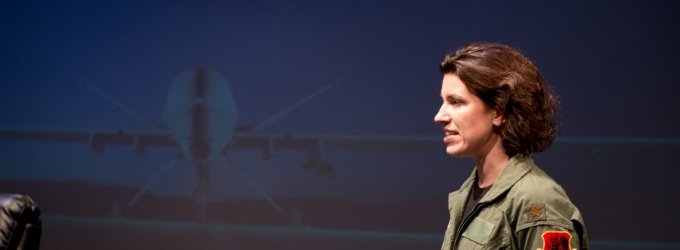BWW Reviews: Gamm Opens Season with Riveting Solo Show GROUNDED