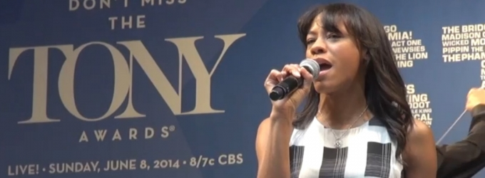 BWW TV: LES MISERABLES' Nikki M. James Sings 'On My Own' at STARS IN THE ALLEY