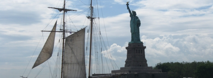 BWW Reviews: Manhattan by Sail's BURLESQUE CRUISE - A Night of Fun and Frolic on the Water