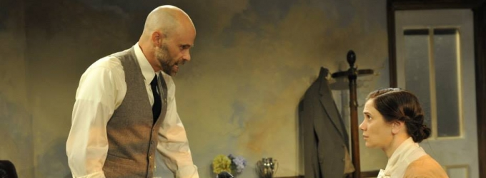 BWW Reviews: Playing Head Games with THE LETTERS at Mad Cow Theatre