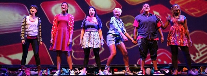 BWW Reviews: Vibrant Actresses Bring EMOTIONAL CREATURE to Life at the Baxter