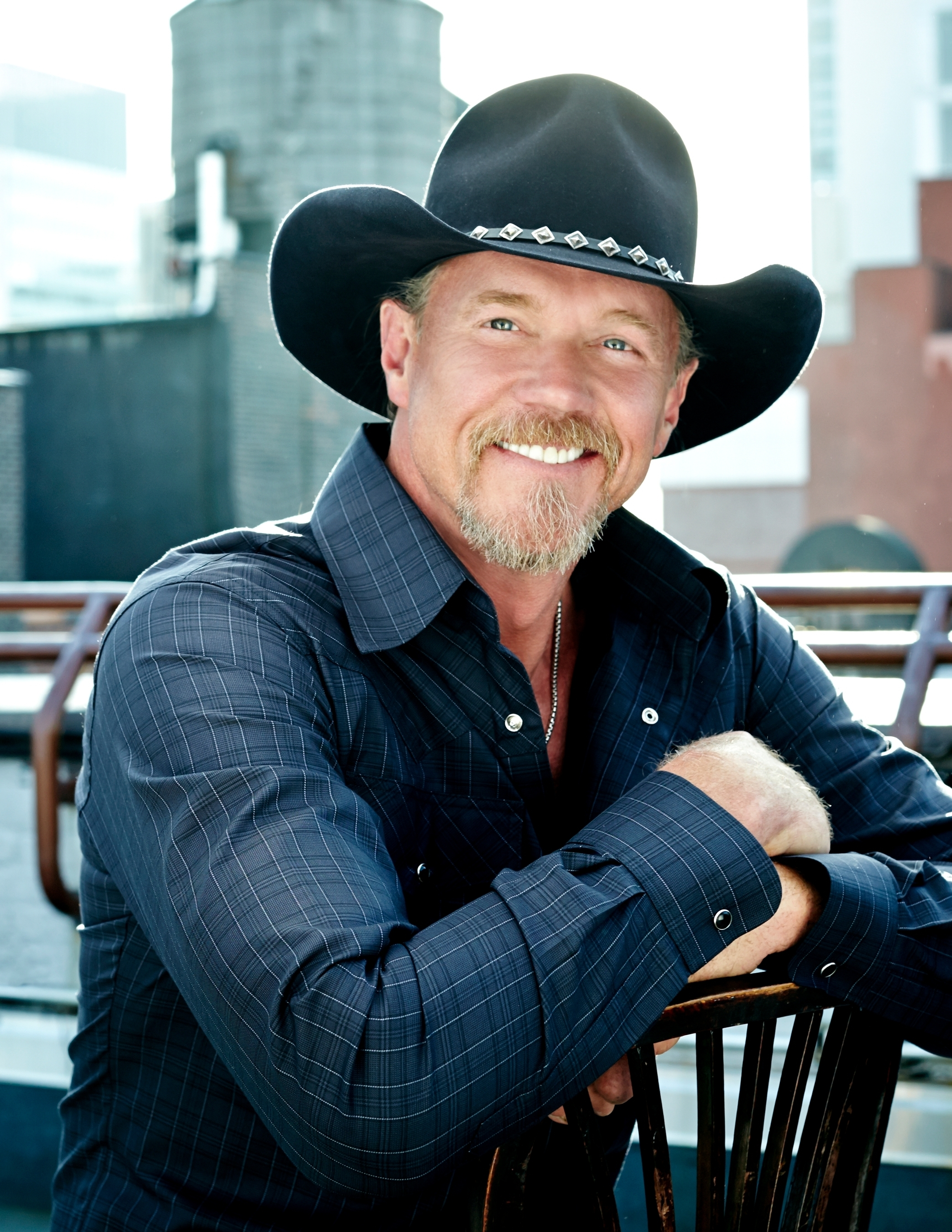 Trace Adkins to Return Home to Play Concert at Muddy Bottoms This July 4th