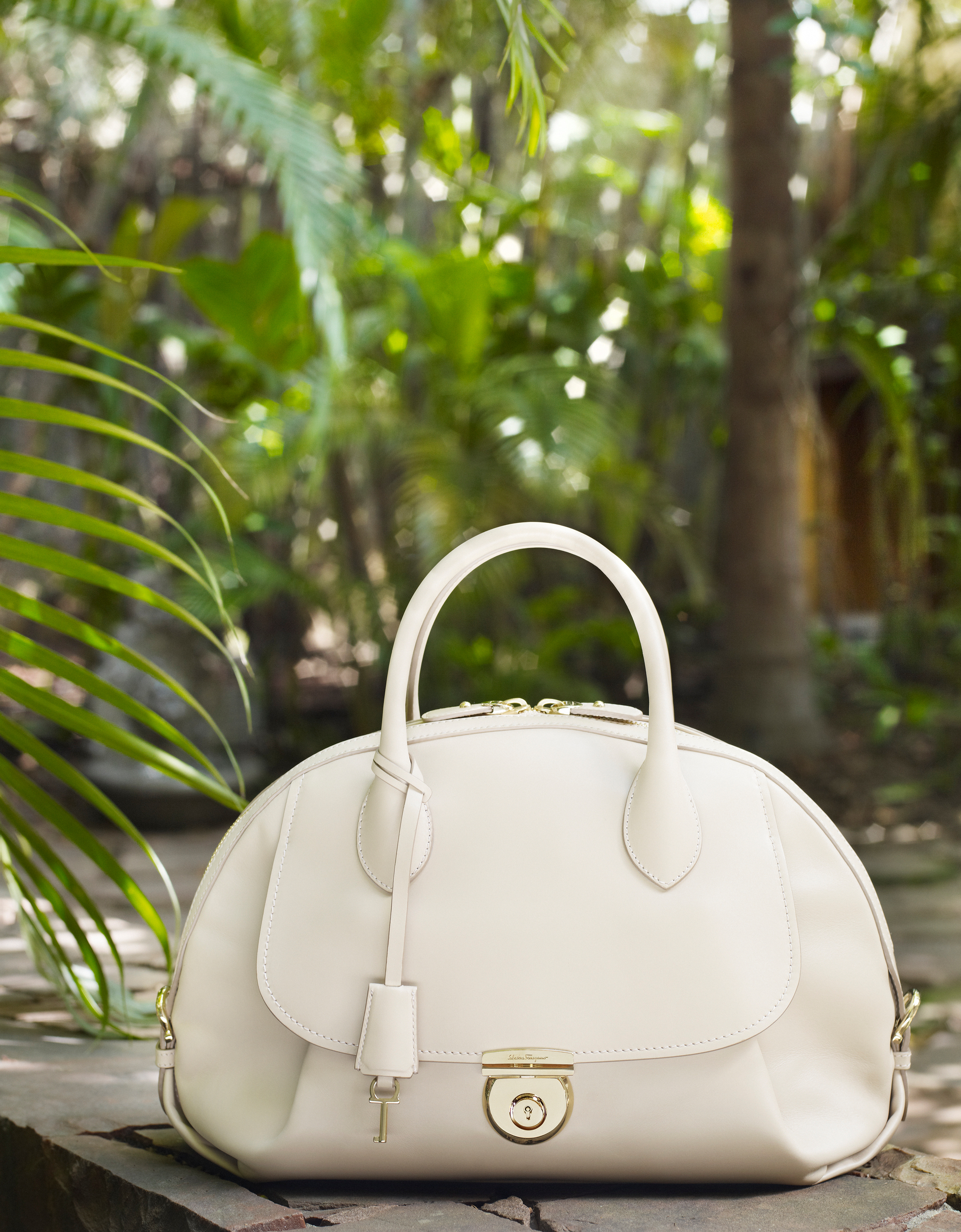 Ferragamo Debuts New Handbag Collection FIAMMA