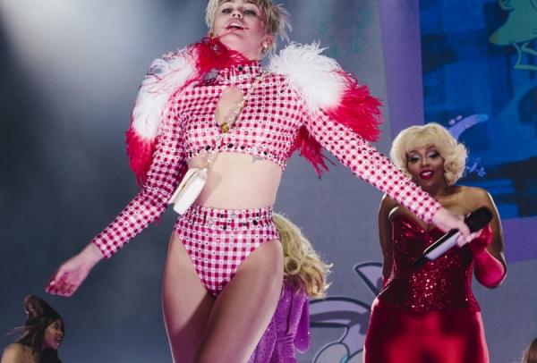 Miley Cyrus Bangerz Tour Review