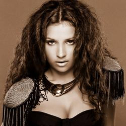 Russian Pop Singer Diana Salangina Signs With Drew Right Music and Blast Music