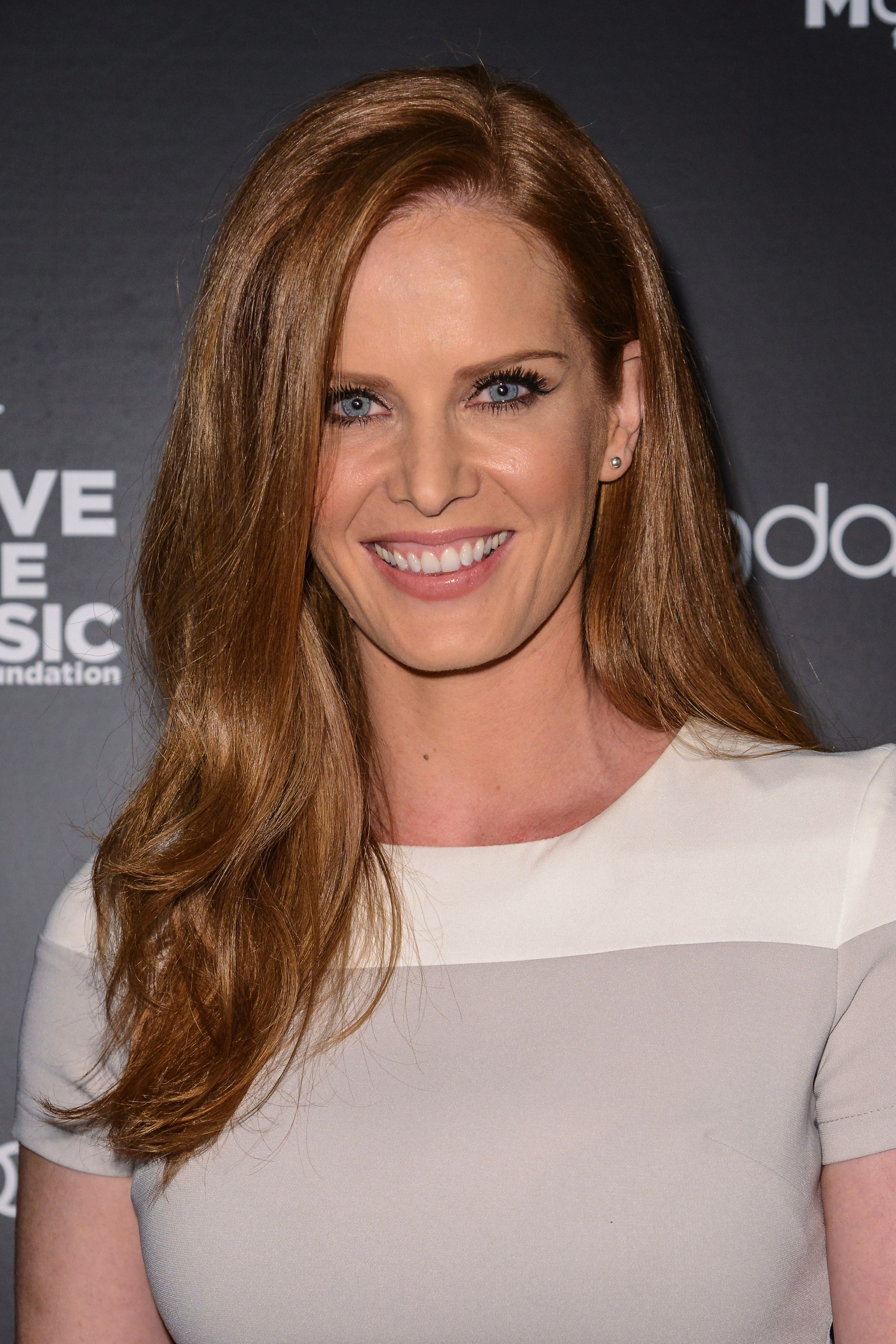 lost alum rebecca mader joins abc s once upon a time as new villain