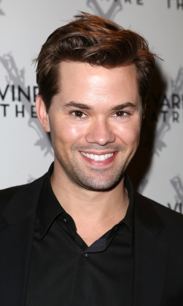 Andrew Rannells, Anne Hathaway & More Begin Production on THE INTERN Today