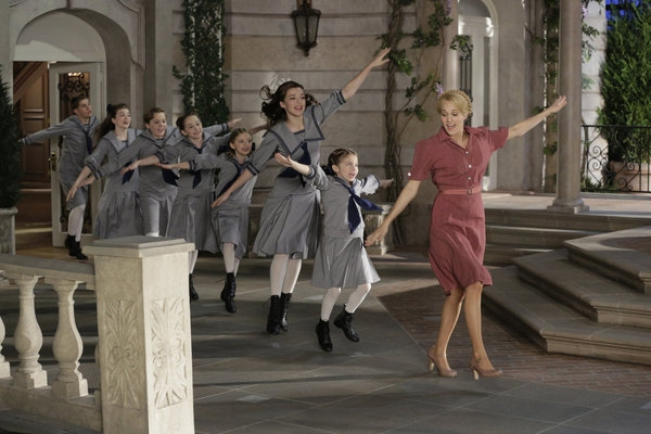 Twitter Watch: Dough Re Mi? DiGiorno Pizza Live Tweets THE SOUND OF MUSIC!