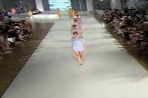 VIDEO: Fashion Show 'SUR' Spring Summer 2014 Barcelona 3 of 3