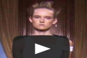VIDEO: Viktor & Rolf S/S 2015 Runway Show at Paris Fashion Week