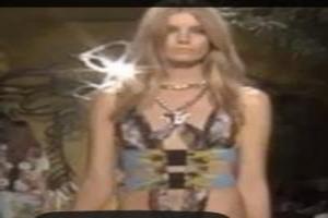 VIDEO: 'VERSACE' Fashion Show Spring Summer 2014 Milan