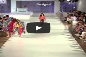 VIDEO: Fashion Show 'DESIGUAL' Spring Summer 2014 Barcelona 4 of 5