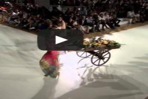 VIDEO: Fashion Show 'DESIGUAL' Spring Summer 2014 Barcelona 3 of 5