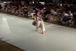 VIDEO: Fashion Show 'DESIGUAL' Spring Summer 2014 Barcelona 2 of 5