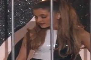 VIDEO: Ariana Grande, Iggy Azalea Perform Problem at 2014 Billboard Music Awards