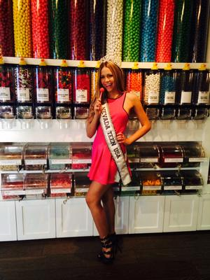 SIGHTING: Miss Nevada Teen USA 2014, Alexa Taylor, Celebrates Sweet Sixteen at Sugar Factory