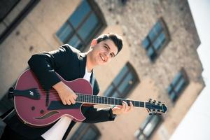 Showcase 61 Presents 16-Year Old Guitar Prodigy & Quincy Jones at The Palace Theatre Tonight