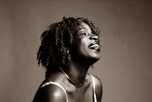 Spoken Word Artist Cherrie Amour Sets NYC FREE TO BE ME Book Reading for 11/29