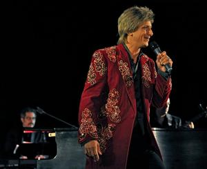 Chris Chan to Bring Barry Manilow Tribute to Downtown Cabaret Theatre, 3/7-8