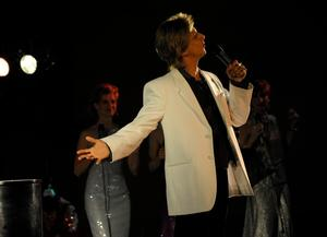 Chris Chan's Tribute to Barry Manilow, BARRY'S SONG BOOK, Set for Downtown Cabaret Theatre, 3/7-8