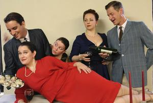 The Footlight Players Open 83rd Season with DON'T DRESS FOR DINNER Tonight