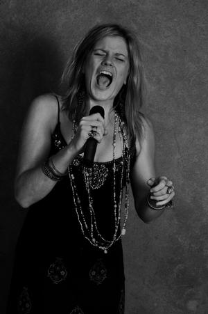 Karen Irwin Returns to The Cabaret with Janis Joplin Tribute This Weekend