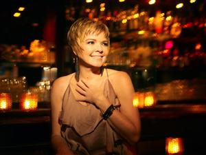 Karrin Allyson Performs at The Cabaret at the Columbia Club This Weekend