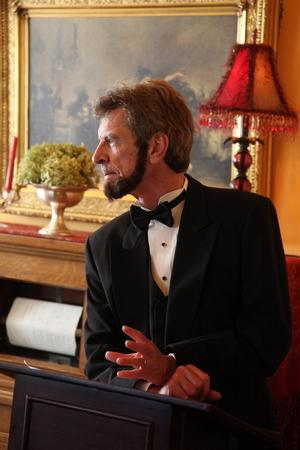 Lakewood Theatre Company to Present A. LINCOLN, 2/17