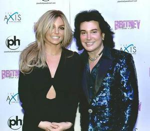 Photo: Vegas' Frank Marino & Britney Spears Pose on New Year's Eve