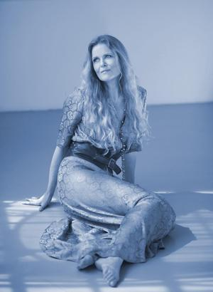 Tierney Sutton to Pay Homage to Joni Mitchell at The Cabaret at the Columbia Club, 3/19