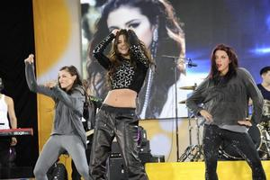 VIDEO: Selena Gomez Performs 'Come and Get It' on GMA