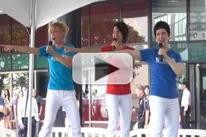 BWW TV: New Cast of MAMMA MIA! Performs 'Dancing Queen' at Taste of Broadway!