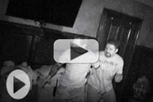 VIDEO: Sneak Peek - Bonus Clips from Syfy's GHOST HUNTERS
