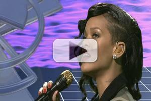 VIDEO: Rihanna Performs 'Diamonds' on SNL