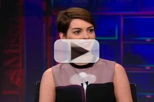 VIDEO: Anne Hathaway Chats LES MIS on 'The Daily Show'