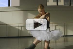 STAGE TUBE: Behind the Scenes with NYC Ballet's Ashley Bouder and Sara Mearns of SWAN QUEEN