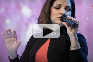 VIDEO: Gloria Estefan Sings 'How Long' on ABC's THE VIEW