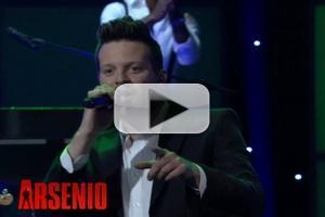 VIDEO: Soul Singer Mayer Hawthorne Performs on ARSENIO HALL