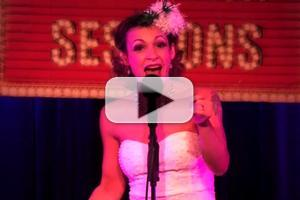 STAGE TUBE: ROCKY's Jenny Lee Stern Peforms 'Jingle Bells' at Broadway Sessions