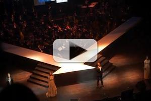STAGE TUBE: Watch Lea Salonga, Michael Ball & More in DO YOU HEAR THE PEOPLE SING Concert