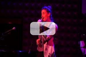 STAGE TUBE: Idina Menzel Performs 'Tomorrow' for LIVING FOR TODAY